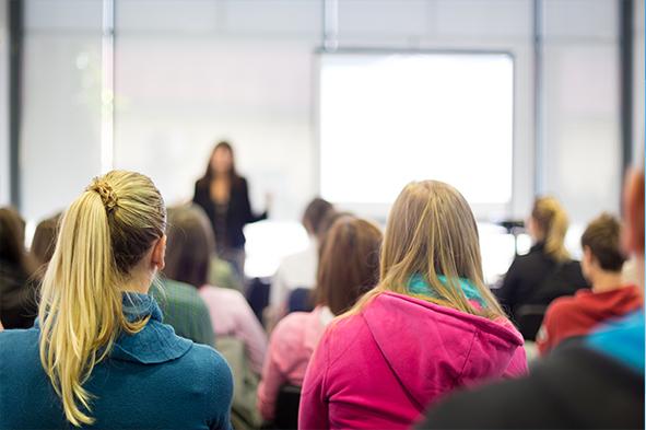 12.30-13.00    Miniföreläsning i dialogform om Utmaningsbaserat lärande – Malmö universitet